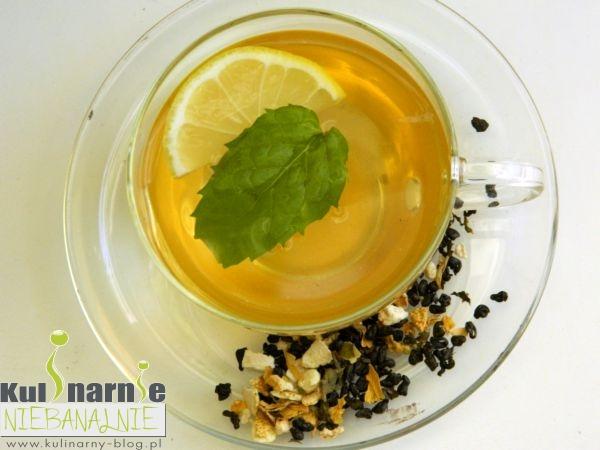 Herbata z miętą, miodem i cytryną