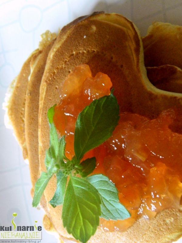 Amerykańskie pancakes z konfiturą morelową